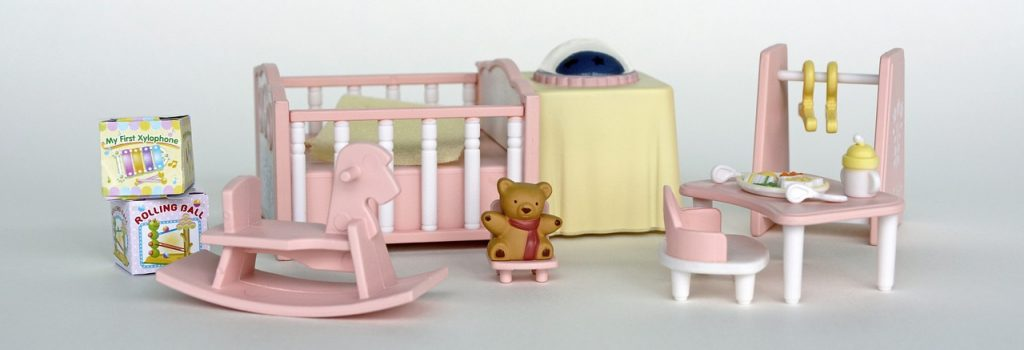 doll-room-1426009_1280