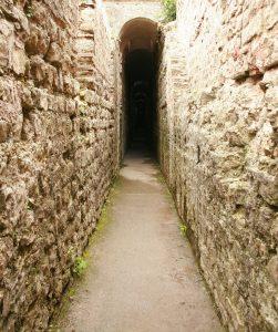 labyrinth-117278_1280