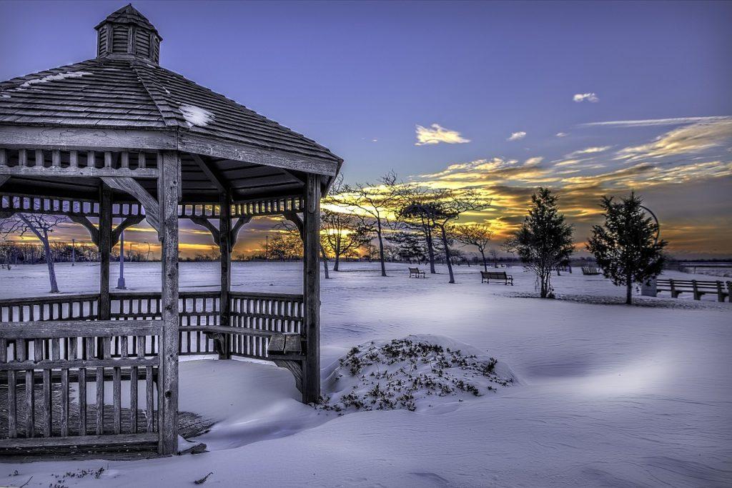 snow-616319_1280