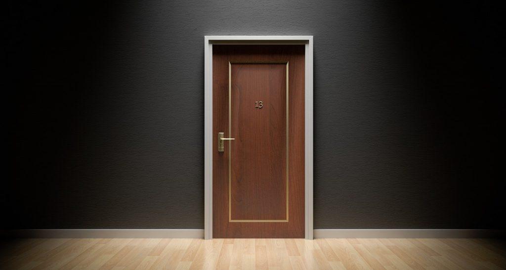 door-1587023_1280