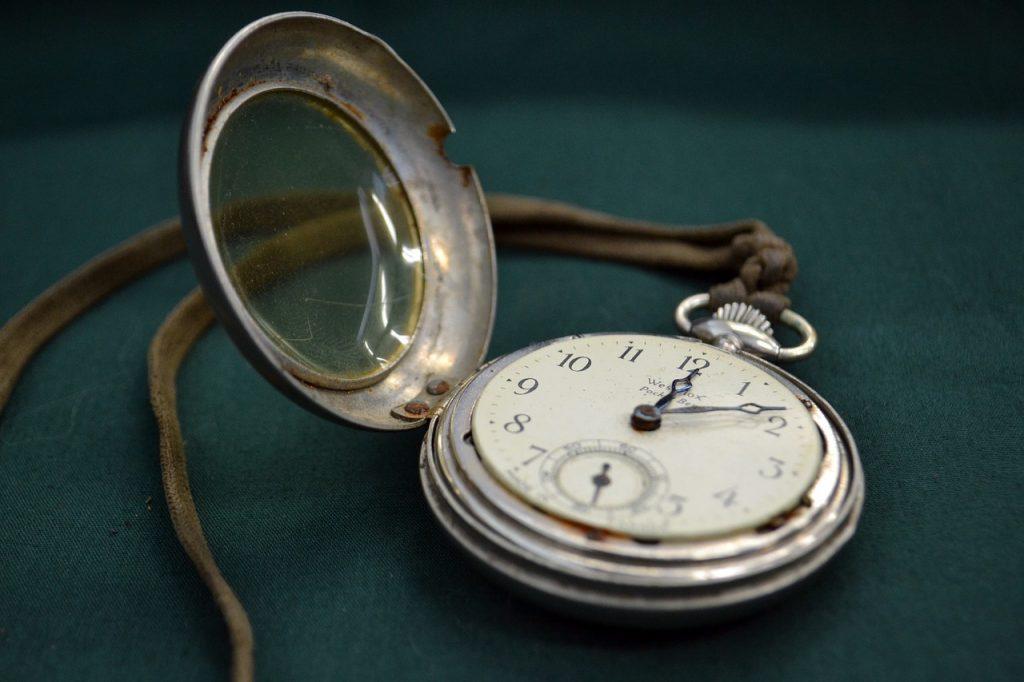 watch-1267420_1280